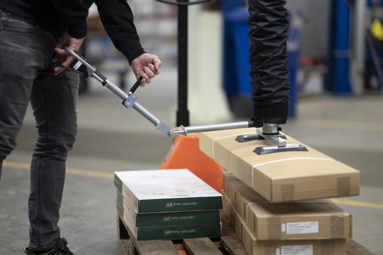 Vakuumlyftare med handtag för kartonglyft Movomech Easyhand M