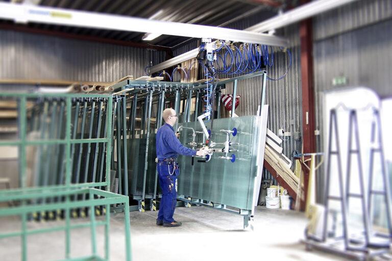 Ergonomisk bilglasmontering - lyft av bilglas - koncept från Movomech