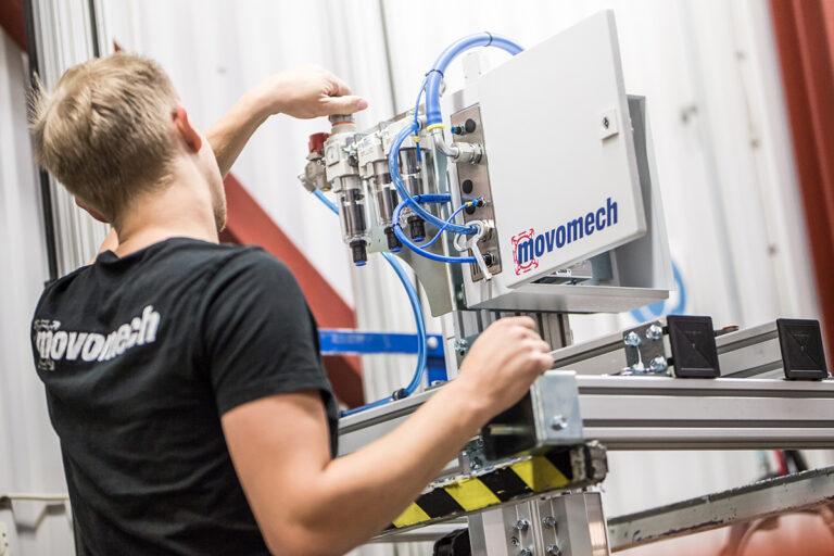 Svensktillverkade lyfthjälpmedel, lyftredskap, lyftdon, lyftutrustning från Movomech