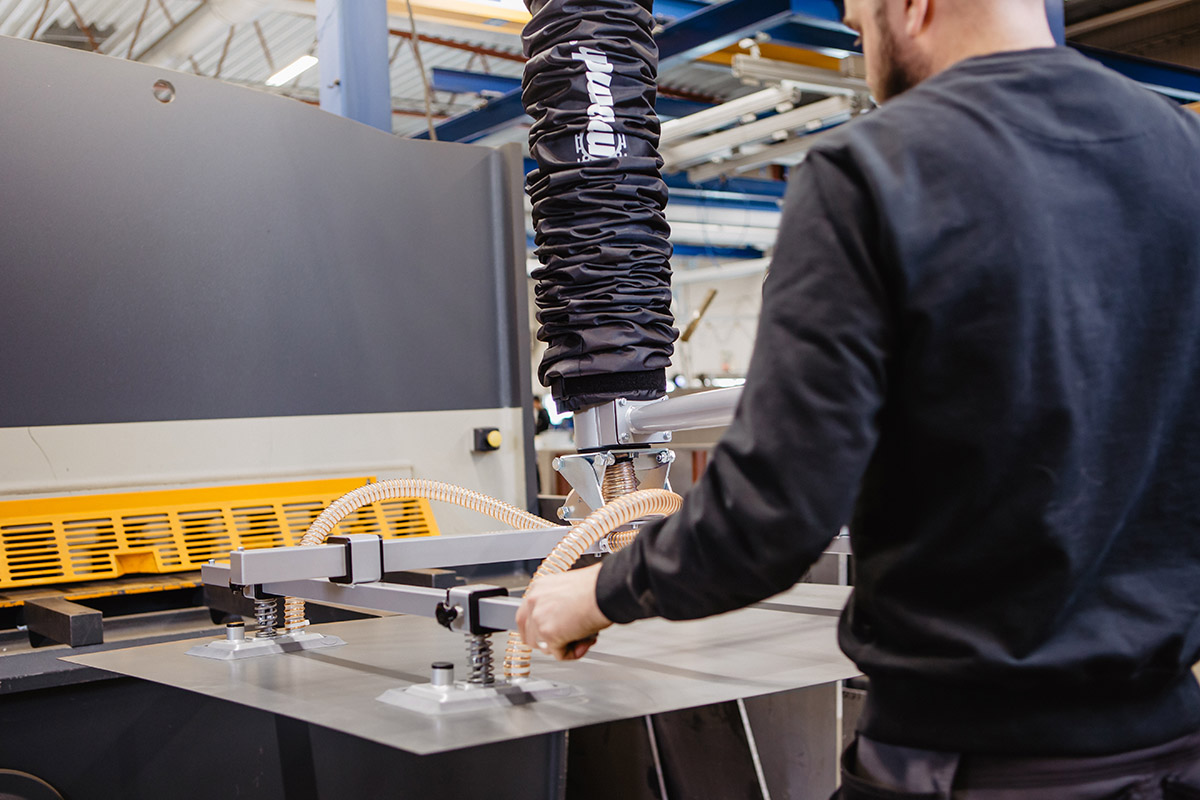 Vakuumlyftare plåtlyft skivhantering skivor skivmaterial Movomech Vacuhand Pro